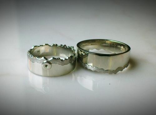 Összeillő fehérarany karikagyűrű külön
