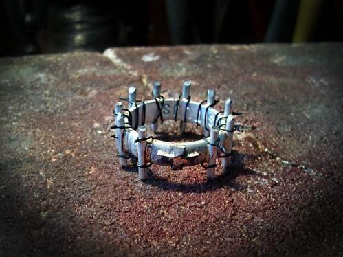 Rózsafüzér gyűrű készítés közben