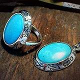 Türkiz gyűrű és medál egyiptomi mintával