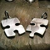 Összeillő puzzle medál pár