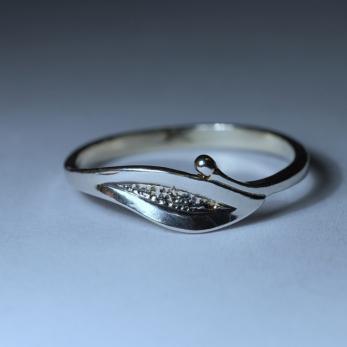 Egyleveles gyűrű
