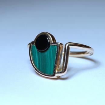 Gyűrű zöld-fekete kővel