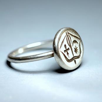 Íjas gyűrű
