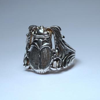 Skarabeusz gyűrű